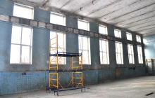 Окна в спортзал (после работ)
