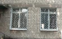 Окна в садике (до установки)