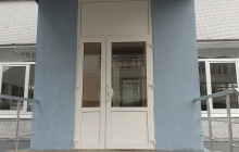 Окна для школы, входная дверь