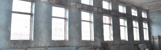 Окна в спортзал (до начала работ)