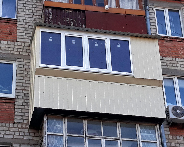 Остекление и обшивка балкона в Харькове